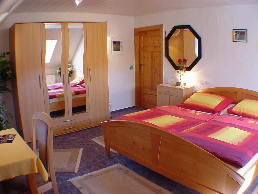 Schlafzimmer von Sonjas Pension Erzgebirge